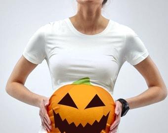 Pumpkin Bump Halloween Maternity T-Shirt - Mamagama Pregnancy tshirt - Mamagama Maternity Wear - Gift - Funny - Halloween -Pumpkin