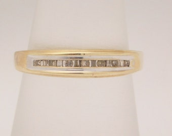 "0.15 Carar T.W. ""MOM"" Ring Baguette & Round Cut Diamond Band 14K"