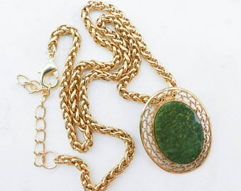 Vintage 12K Gold Filled Winard Brooch/Pin Necklace with Jade Stone