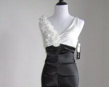 XSCAPE Rosette Ruffle Shoulder Gown/ Black & White/Size 10(US)
