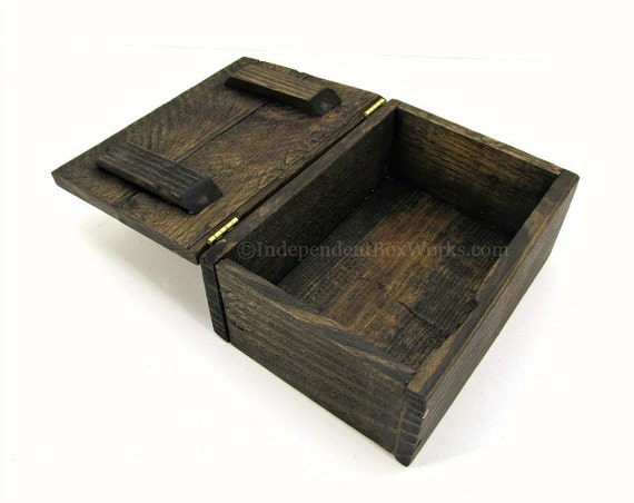 Rustic Reclaimed Wood Memento Box