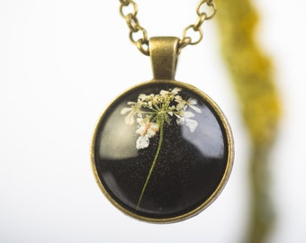 Pendant with real blossoms of Queen Anne's Lace, Flower Jewelry, Real Dried Flowers Encased in Resin, Resin Jewelry