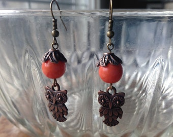 Owl earrings with glass pearls