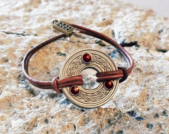 Leather celtic knot ring bracelet / 3rd anniversary gift / 9th anniversary gift / 10th anniversary gift pewter