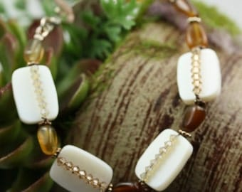 Mother of Pearl and Carnelian Bracelet