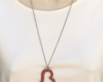 Crocheted heart pendant necklace