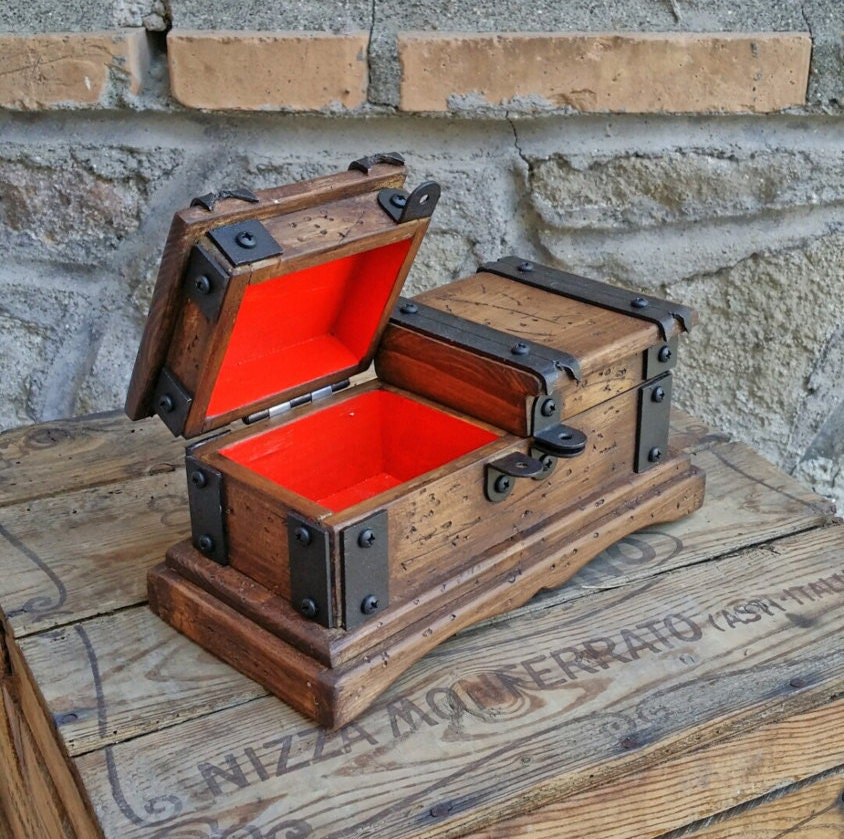 Rustic wooden jewelry box reclaimed wood treasure chest hand for Jewelry box made of wood
