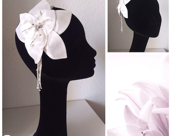 Bridal hair accessories, hair band with Lily, Silk