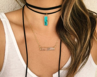 Vertical turquoise bar wrap choker.
