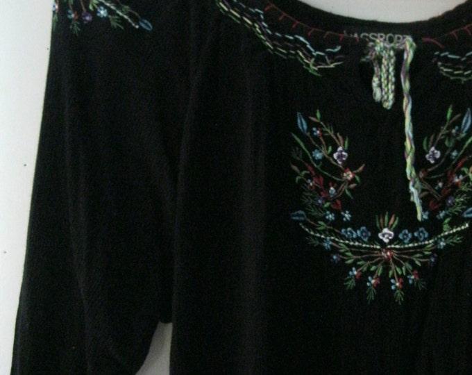 Vintage embroidered blouse / Hippie Boho floral embroidered black Folk Festival top