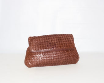 BOTTEGA VENETA Vintage Leather Clutch Intrecciato Brown Woven Folded Handbag- AUTHENTIC -