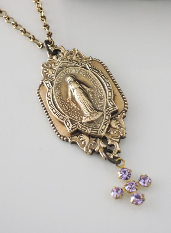 Vintage Necklace - Mother Mary jewelry - Pendant Necklace - Vintage Brass Jewelry - Religious Necklace - handmade jewelry