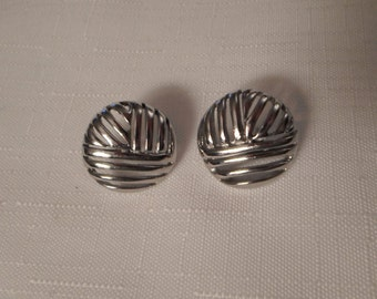 SILVER BASKETWEAVE EARRINGS / Pierced / Modernist / Art Moderne / Retro / Classic / Statement / Hipster / Trendy / Fashionista / Accessories