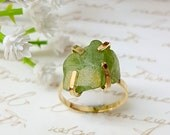 Raw Peridot Ring, Raw Stone Ring, Stackable Gemstone Ring, Solitaire Ring, Gift For Her, Boho Chic Ring, Bohemian Jewelry, Solitaire Ring
