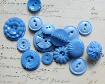 lot of retro buttons - sky blue flower celluloids - 1930s 1940s vintage mix