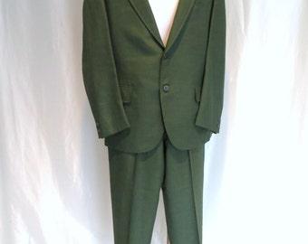 Vintage 60s mens green suit, size 42 S two button suit, summer suit by H Freeman Philadelphia
