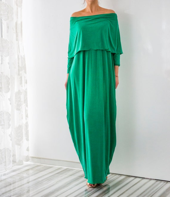 Flowing maxi dress green with belt
