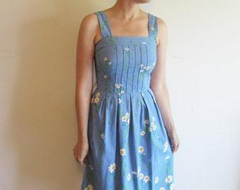 Super Cute Vintage Blue Malia Honolulu Dress with White Daisy Flowers