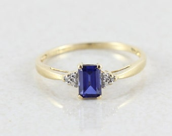 10k Yellow Gold Blue Sapphire with Diamond Accents Ring Size 8 1/4