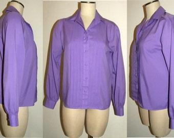 1970's 70s Blouse /  pleat  front /  career / tuxedo / blouse / shirt / top / Purple / vintage