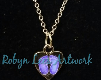 925 Sterling Silver Solid Heart with Glow in The Dark Footprints on Fine Sterling Silver Chain & UV Torch, Lilac, Blue, Red, Yellown Green