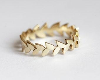 Vine Ring, Vine Band, Gold Vine Ring, Gold Wedding Band, Vine Wedding Band, Leaf Eternity Ring