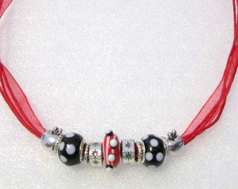 892 - NEW Red Beaded Necklace