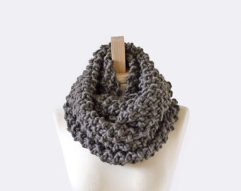 knit cowl . chunky knit scarf . circle scarf . knit infinity scarf . infinity scarf  / Seed Stitch Circle Scarf /  pictured: Vintage Gray