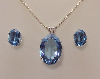 Aquamarine Color Swarovski Crystal Pendant Set
