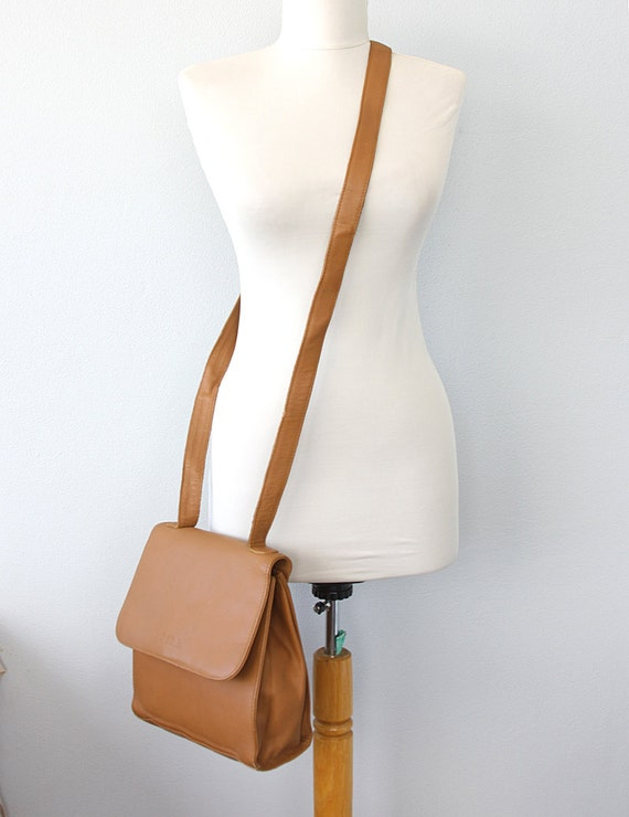 Vintage leather crossbody bag Leather messenger handbag Saddle bag Camel brown shoulder bag Womens long strap purse bag