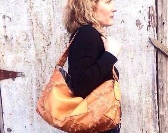 Generous shoulder bag / vinyl
