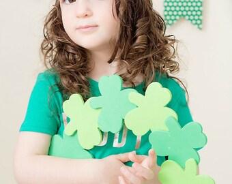 St Patricks Day Headband, St Patricks Day Bow, Green Bow Headband, Shamrock Headband, Clover Headband, Green Hair Bow, Clover Hair Bow
