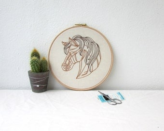 Embroidery wall hanging, hand embroidery, horse wall art, 8 inch hoop, horse lovers gift, equine gift, handmade in the UK
