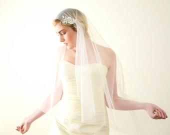 Wedding veil with lace, Juliet cap veil, Juliet veil, lace veil, Kate Moss veil, 1920s veil, romantic veil, boho bohemian veil, vintage veil