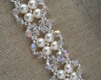 Pearls & Crystals Flowers Bracelet