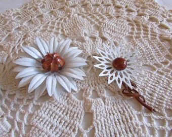 Vintage Pair of Enamel Flower Brooches/Vintage Brooches/Vintage Costume Jewelry - FREE SHIPPING!!!