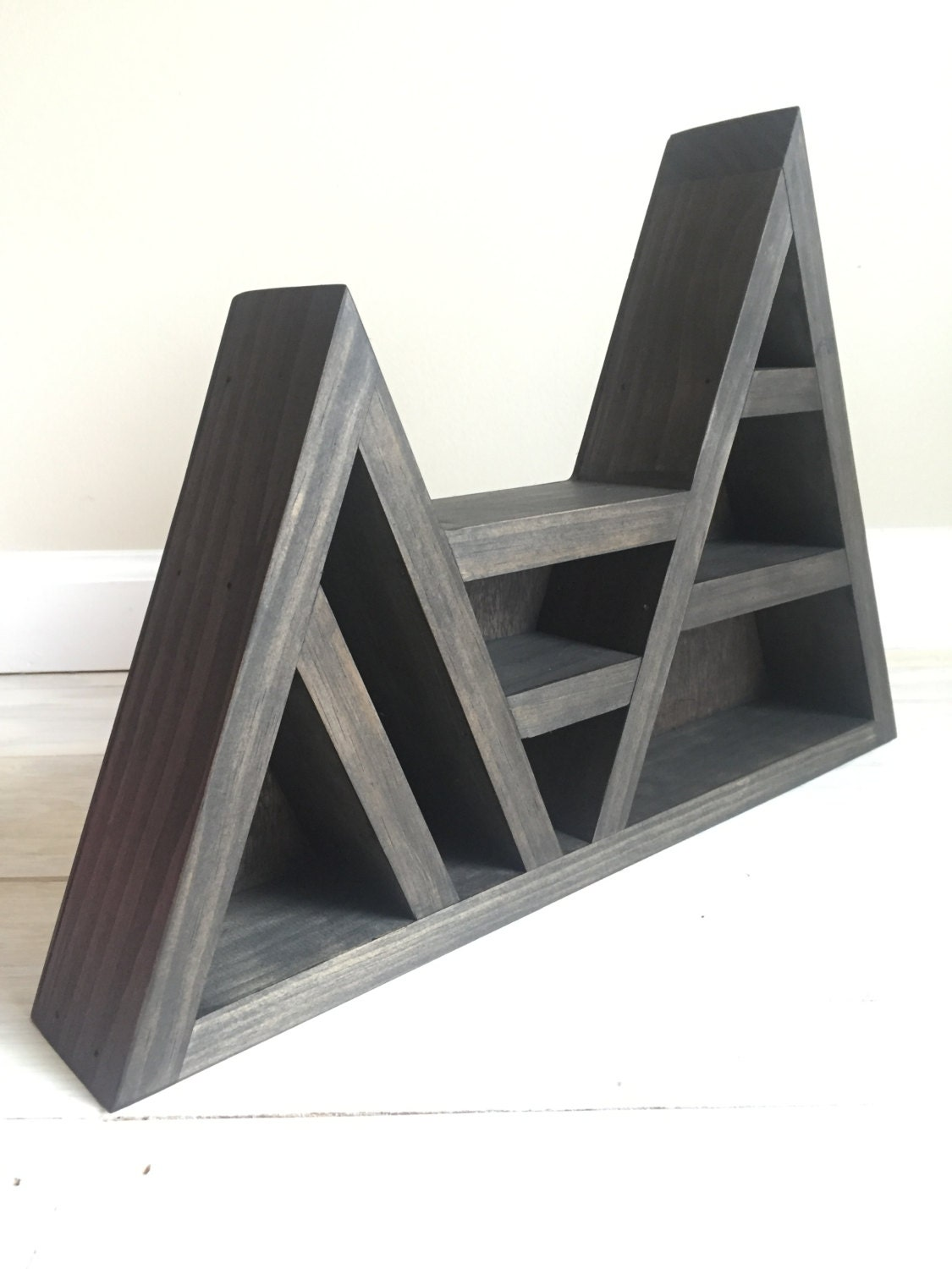 Triangle shelf for crystal display - Triangular bookshelf ...