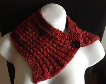Dark red neck warmer / scarf