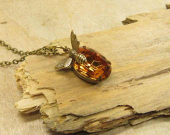 Necklace bee honey, bee pendant, necklace with brass chain delicate pendants bee honiggelb orange, vintage style handmade