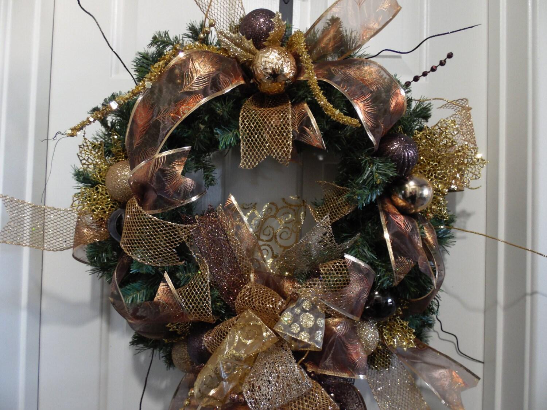 Peacock bronze wreath golden