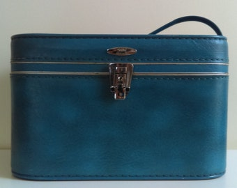 Vintage Royal Blue Sears Featherlite Train Case