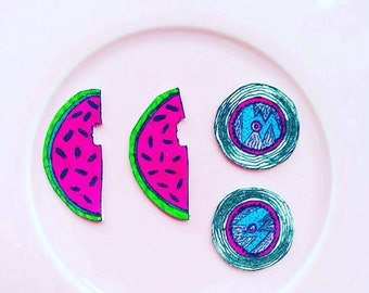 Vinyl record/Watermelon earrings, HANDMADE original illustration with a durable plastic finish.