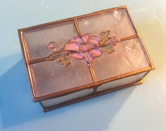 Vintage capiz shell floral detail trinket box 70s dressing table ware jewellery box