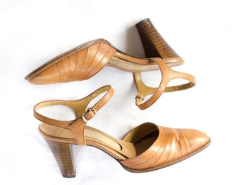 70s brown closed toe leather sling back ankle strap heels SIZE 7-7 1/2