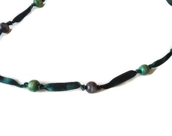Ribbon necklace and wooden beads