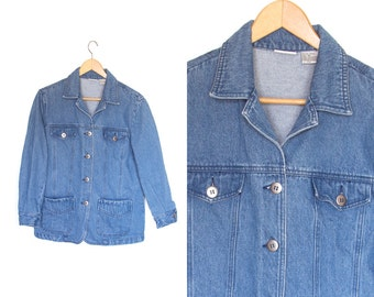 Vintage jean jacket. Womens jean jacket. 90s Grunge. Denim jean jacket. Spring jacket. Women's size 10.