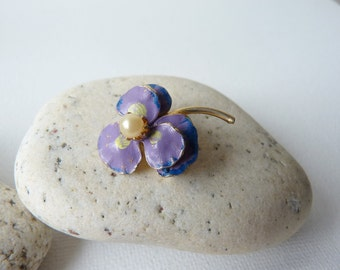 Vintage Small Flower Brooch, Purple Flower Gold Tone Pin,Tiny Lavender Flower Pin, Lilac Retro Pin Brooch,Small Pin-Brooch,Costume Jewelry