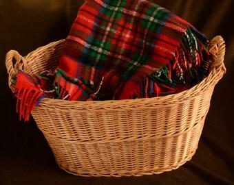Large Laundry Basket, Wicker Laundry Basket, Large Oval Basket, Oval Laundry Basket,Large Storage Basket, Newborn Photo Prop, Willow Laundry