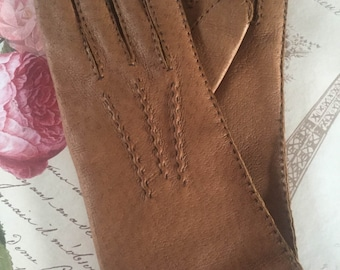 Womens vintage 1960's gloves. Size 7.