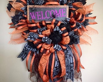 Halloween Door Decor, Halloween Welcome Wreath, Halloween Wreath, Halloween Wreaths, Halloween Deco Mesh Wreath, Halloween Decorations
